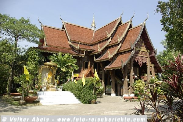 Tempel in Nordthailand bei Chiang Mai © Volker Abels