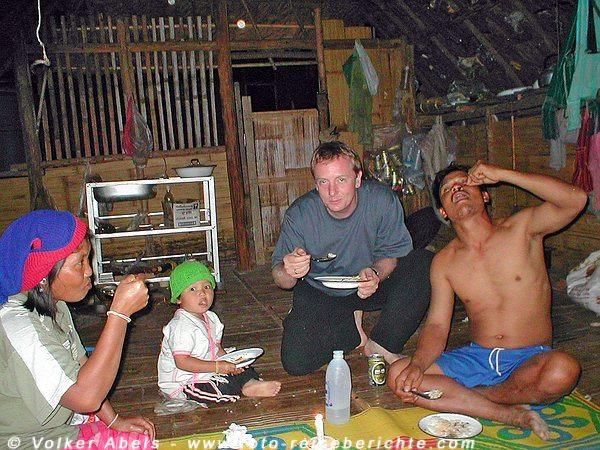 Abendessen bei einer Familie in einem Bergdorf, Thailand nördlich von Chiang Mai © foto-reisebrichte.com