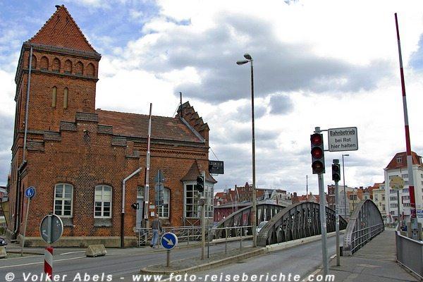 Hansestadt Lübeck - Brückenhaus an der Trave © Volker Abels