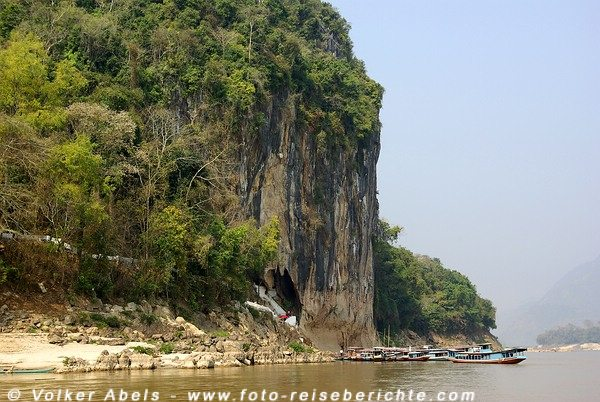 Die Pak Ou Höhlen bei Luang Prabang in Laos © Volker Abels