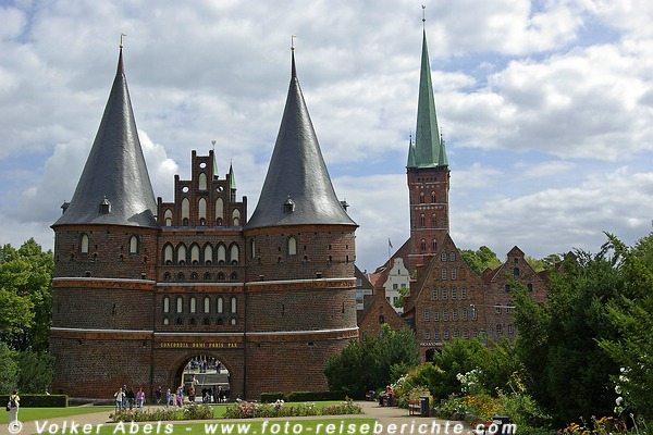 Hansestadt Lübeck - Hostentor © Volker Abels
