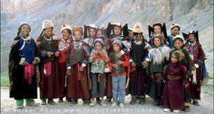 Frauen und Kinder in Lingshed - Ladakh © Volker Abels