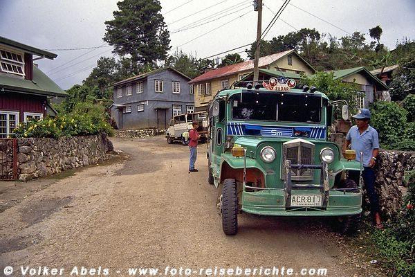 Jeepney für die Fahrt nach Sagada auf Luzon - Philippinen © Volker Abels