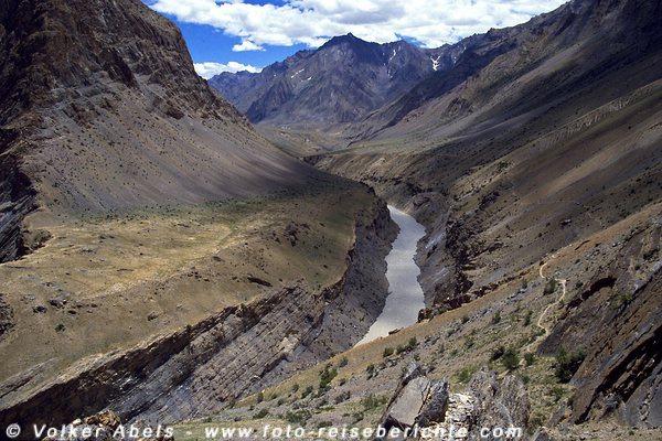 Blick auf den Zanskar-Fluss. © Volker Abels