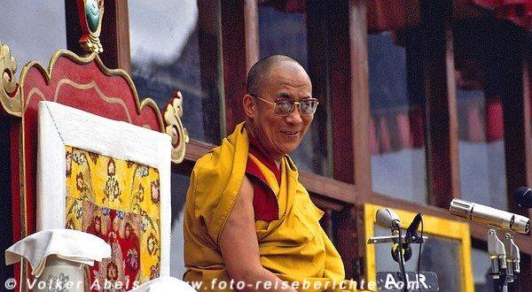Der Dalai Lama führte die Belehrungen in Zanskar durch. © Volker Abels