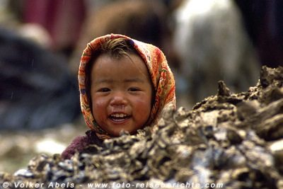 Kleines Mädchen der Yakhirten in Zanskar © Volker Abels