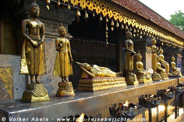 Buddha-Statuen im Wat Phrathat Doi Suthep, Chiang Mai © Volker Abels