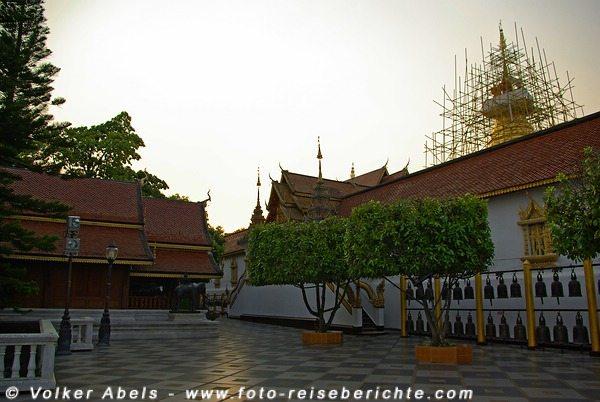 Abendstille im Wat Phrathat Doi Suthep - Chiang Mai © Volker Abels