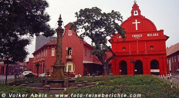 Christus Kirche und Stadthaus Malakka © Volker Abels