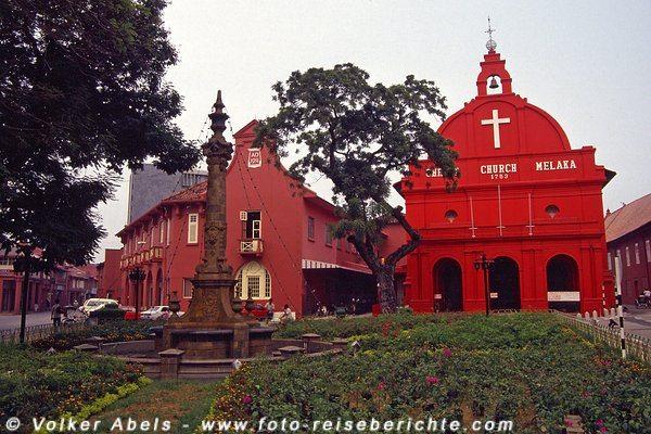 Christus Kirche und Stadthaus Malakka 1991 © Volker Abels