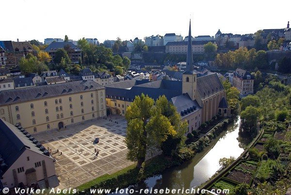 Blick auf den Kulturtreffpunkt (ehem. Abtei) Neumünster - Luxemburg © Volker Abels