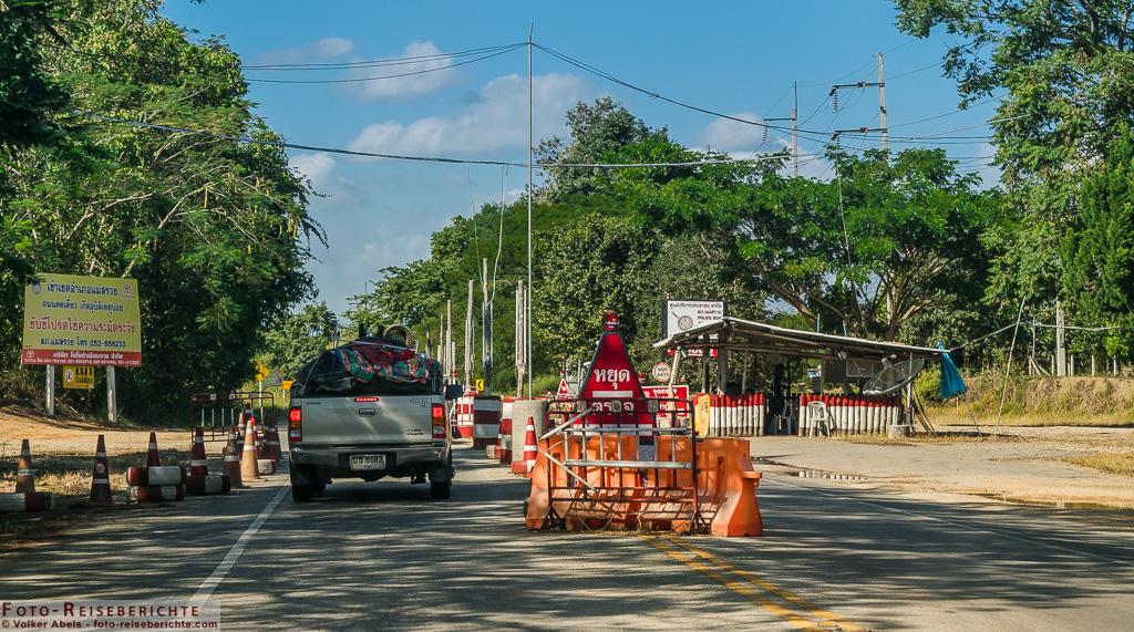 Polizei Kontrollpunkt in Thailand © Volker Abels - foto-reiseberichte.com