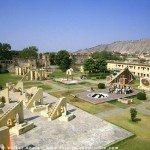 Das Observatorium Jantar Mantar - die Sternwarte von Jaipur in Rajasthan