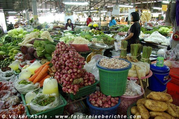 Großes Angebot an Gemüse © Volker Abels