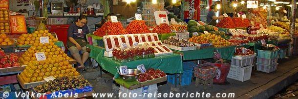 Früchte auf einem Markt in Thailand © Volker Abels