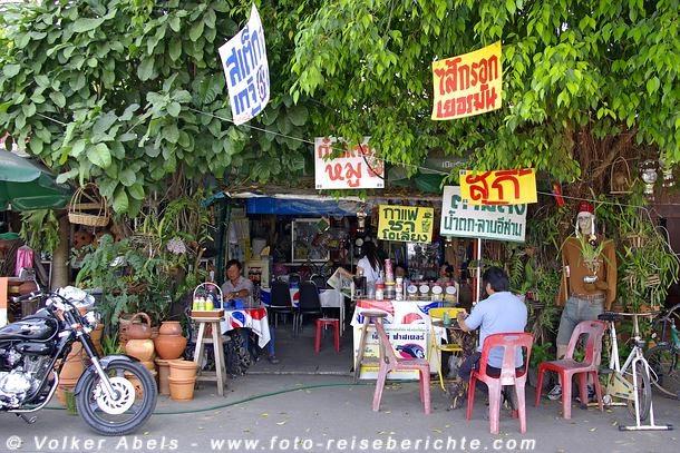 Kleines Restaurant in Thailand © Volker Abels