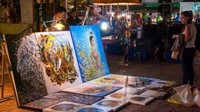 Photo of Farbige Gemälde auf dem Nachtmarkt in Chiang Mai – Thailand