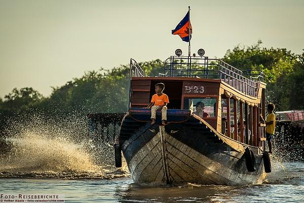 Boot auf dem Tonle Sap in Kambodscha - www.foto-reiseberichte.com
