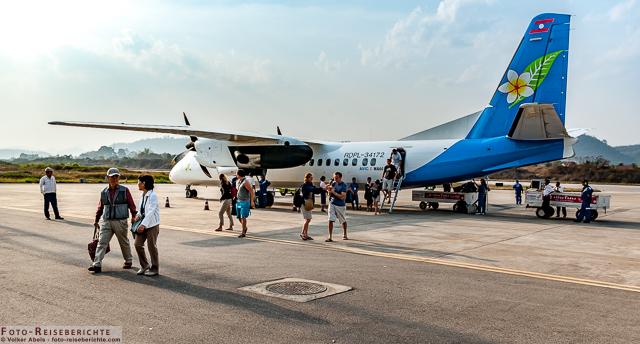 Flugzeug in Laos www.foto-reiseberichte.com