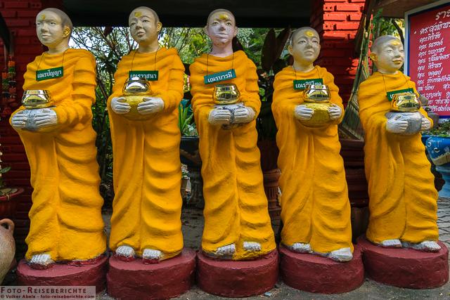 Mönchsfiguren - Suttichit Buddha Park © Volker Abels - www.foto-reiseberichte.com