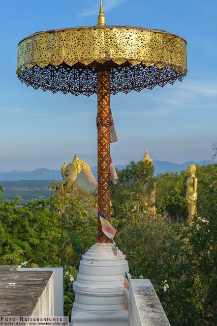 Schöner Blick vom Seitentempel - Wat Mok Khan Lan - Suttichit Buddha Park © Volker Abels - www.foto-reiseberichte.com