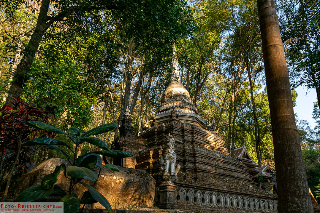 Der ruhige Waldtempel Wat Pha Lat in Chiang Mai